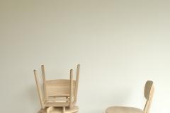 Ethnicraft 50664 Pebble chair - Une chaise sur le toit