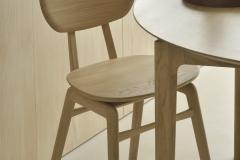 51527_Oak_Bok_round_extendable_dining_table_50664_Oak_Pebble_chair_det1_WEB